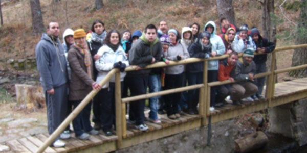 Grupo en un puente